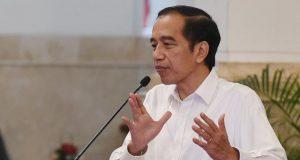 Presiden Jokowi minta masifkan vaksinasi pelajar dan santri.