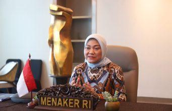 Menaker Ida Fauziyah meminta para pengusaha untuk komitmen membayar THR tahun 2021.