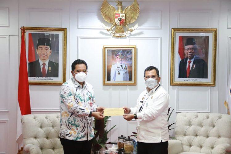 Arif resmi Plh Gubernur Kepri.
