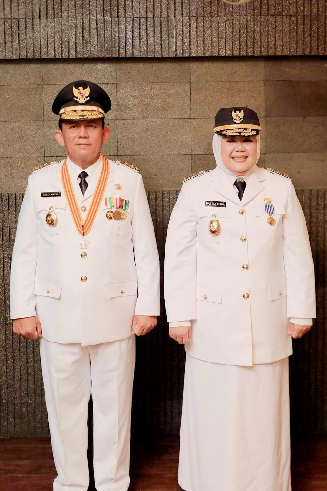 Jokowi melantik Ansar-Marlin sebagai Gubernur dan Wagub Kepri pada Kamis (25/2/2021).