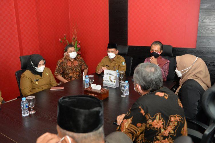 Ketua DPRD Kepri Jumaga Nadeak berharap Gubernur dan Wagub Kepri dapat segera tancap gas!