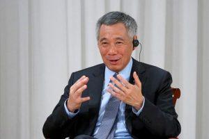 PM Lee menyebut Singapura akan mengizinkan perawat memakai hijab.