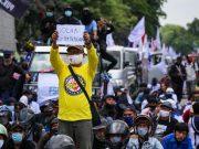 Buruh se-Indonesia menyiapkan demo besar lagi. Mereka menolak UU Cipta Kerja.
