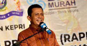 Gubernur Kepri, H. Ansar Ahmad, SE, MM sedang mencari Sekdaprov Kepri yang baru.ait pengelolaan dan pengawalasn SDA Laut.